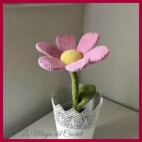 Flor rosa amigurumi