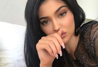 Kylie Jenner reveals the name of her newborn baby!.jpg