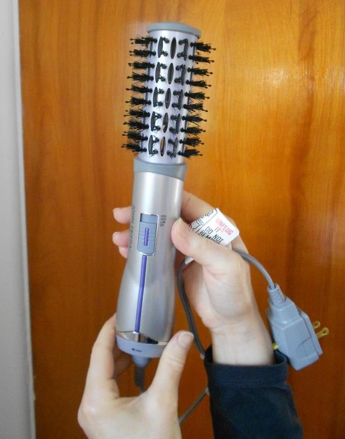 John Frieda Salon Shape Hot Air Brush Review
