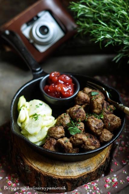 Köttbullar, klopsiki, bernika, mieso mielone, szwecja, kulinarny pamietnik, obiad