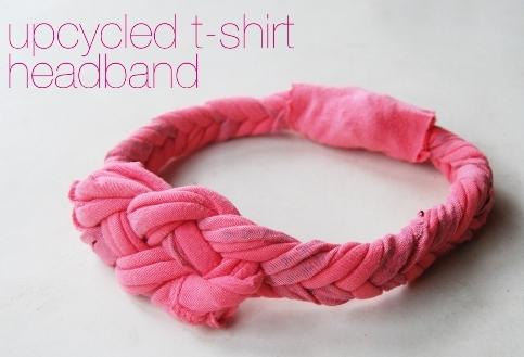 Bandana (headband) terbuat dari kain t-shirt bekas.