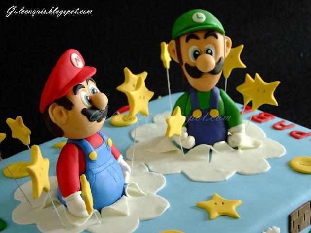 Super Mario Bros y Luigi modelados en fondant