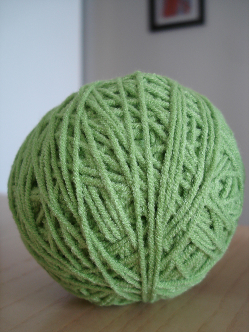 yarn balls decorating