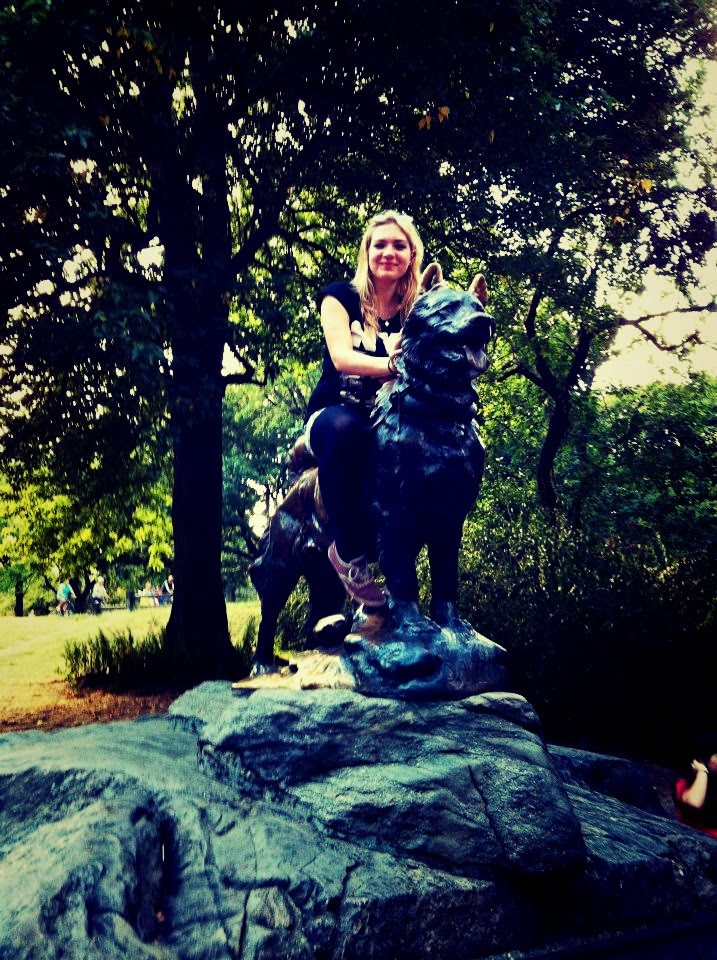 central park new york dog statue