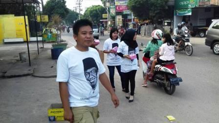 Sahabat Abdiyanto Bagi-bagi Takjil