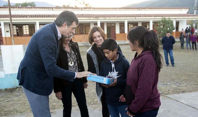Desde #Salta Esteban Bullrich: Estamos conectando todas las escuelas a Internet