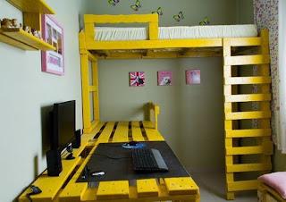 raklapból kialakított gyerekszoba bútor
