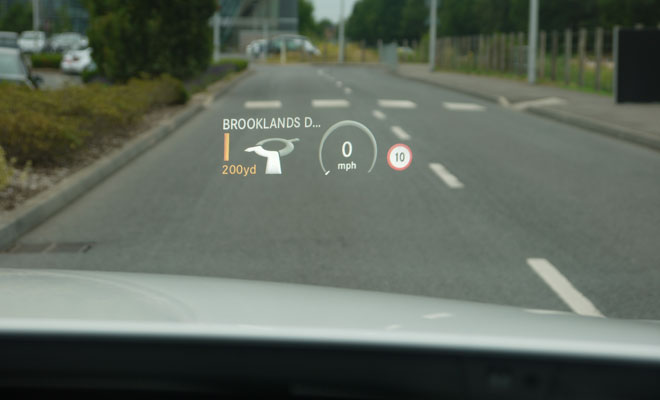 Mercedes-Benz C220 AMG Line head up display