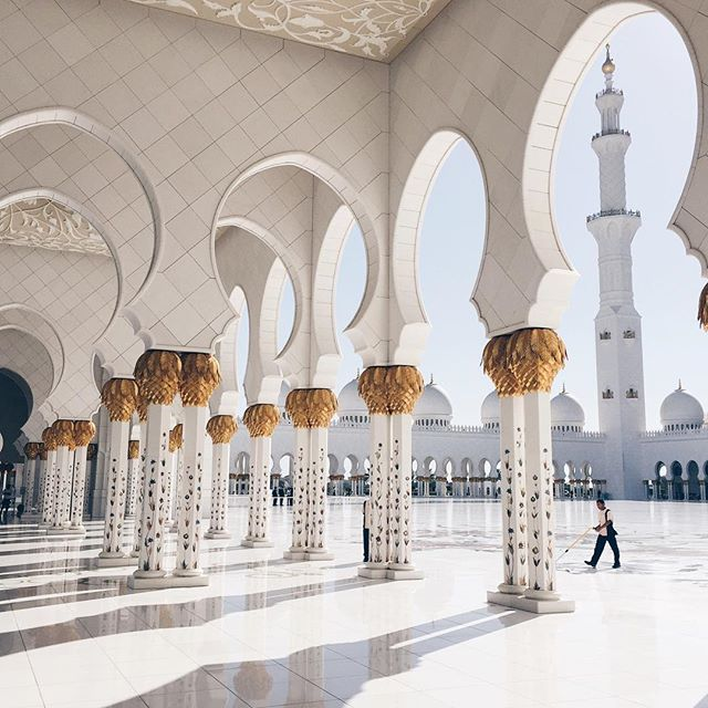 Sheikh Zayed Grand Mosque columns