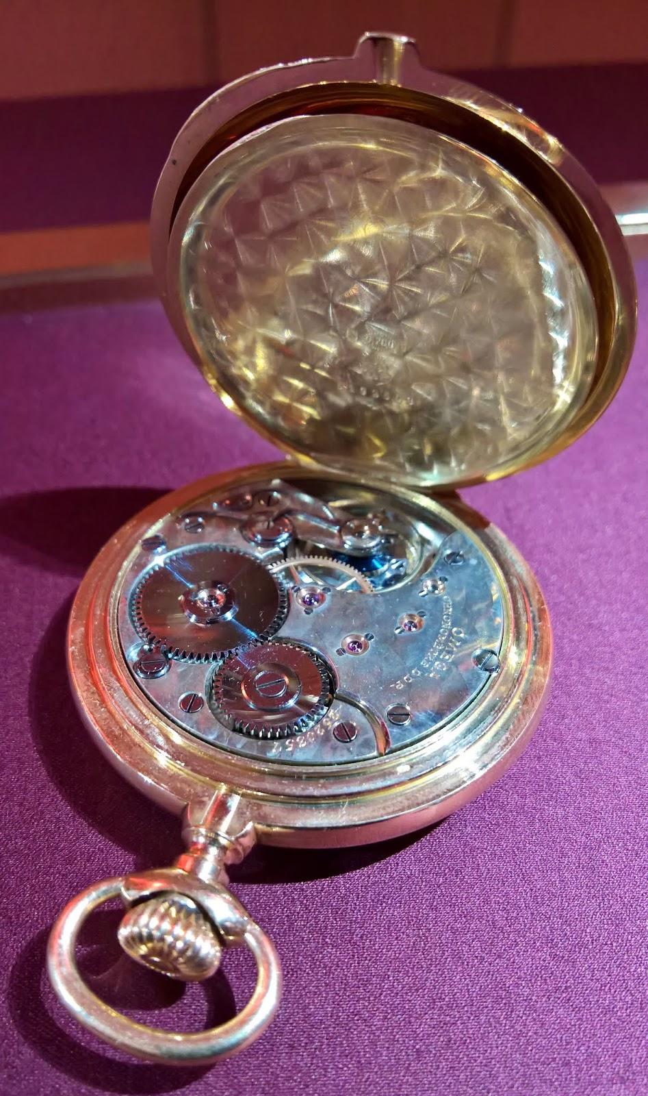 230b2d802c9 Estação Cronográfica  Relógios Omega comemoram 125 anos do nome com ...