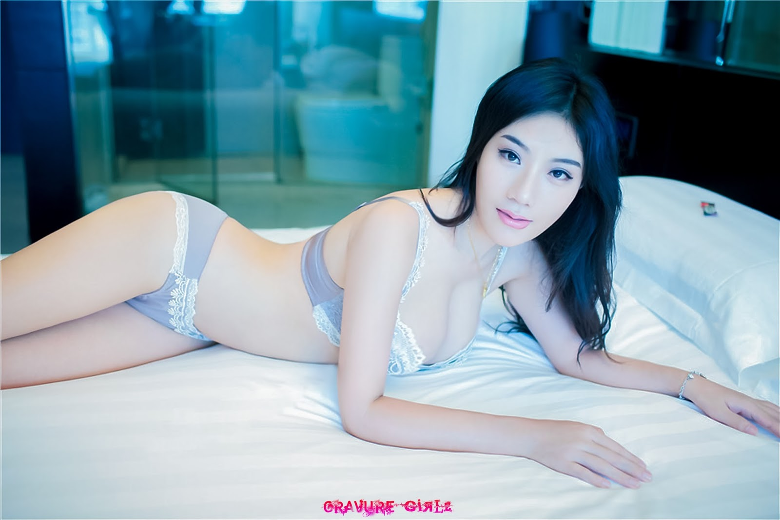 Pretty Asian Nude Model Moyu 莫雨 Tempting Maid Naked With Pink Nipples