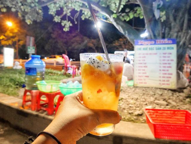 I chose mixed fruit che, Hue, Vietnam