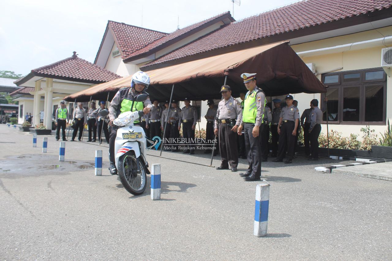 Personel Polres Kebumen Ikuti Latihan Safety Riding