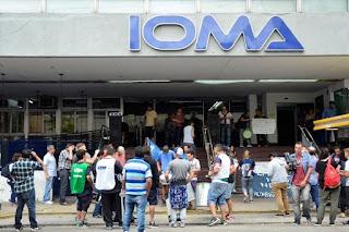 Malestar entre afiliados del IOMA