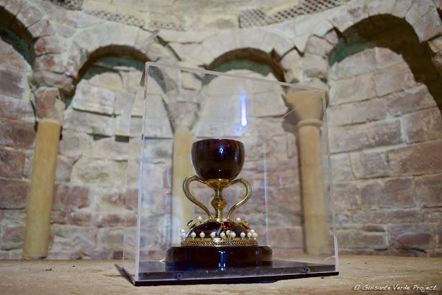 Monasterio de San Juan de la Peña , réplica del Santo Grial, por El Guisante Verde Project