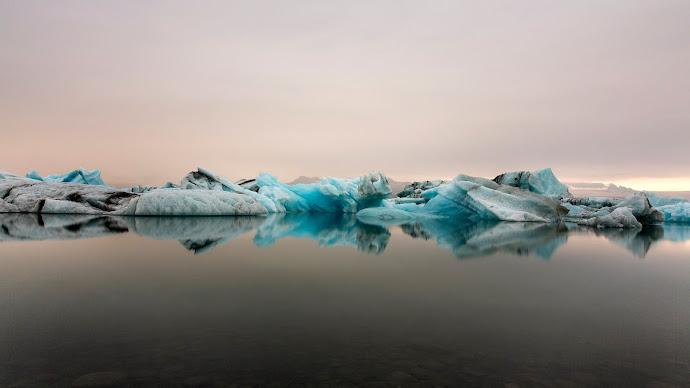 Wallpaper: Glacier Lagoon