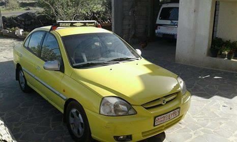 بحجة توصيله الاعتداء بالضرب على سائق تكسي وسلبه سيارته في مدينة شهبا بالسويداء.