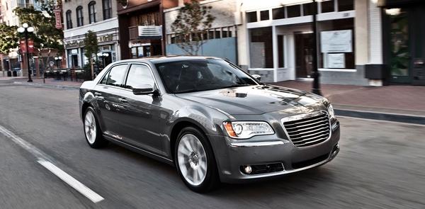Luxury Vehicle 300: Auto Styling News: The 2012 Chrysler 300: A Winning Luxury