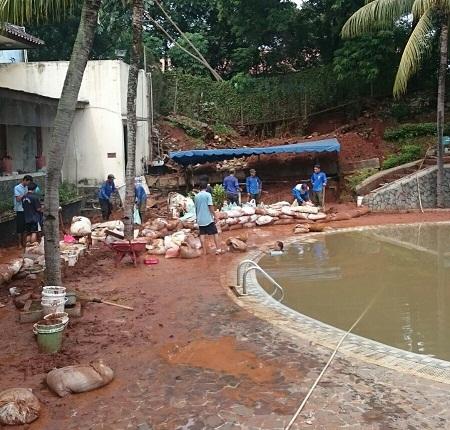 Bencana Longsor Landa Dua Kecamatan
