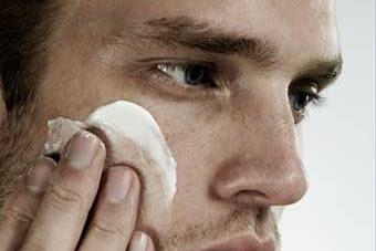 5 Cara mengatasi kulit wajah berminyak