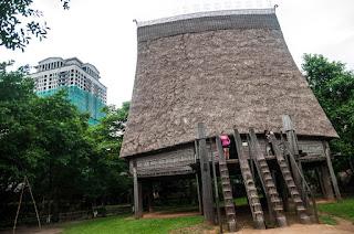 casa comunal de los Bahnar