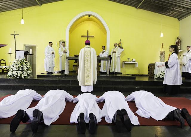 Jesuítas são ordenados diáconos em Santa Luzia