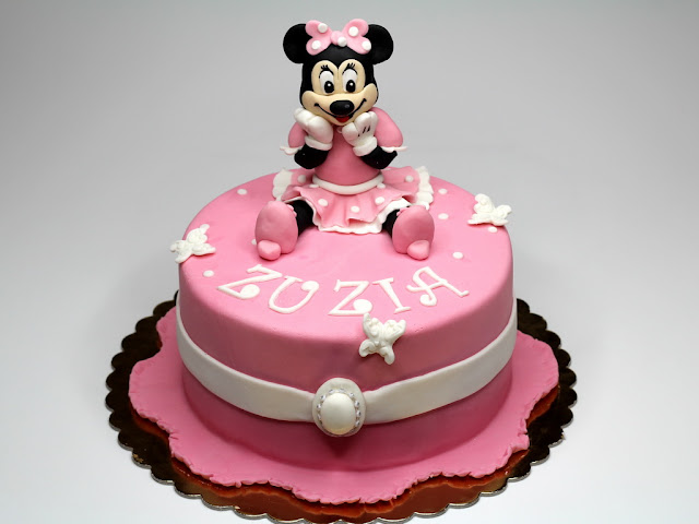 Minnie Mouse Cake, London