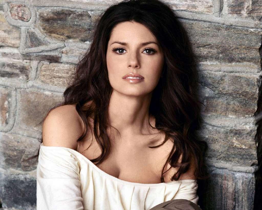 Brunette Country Singer 58