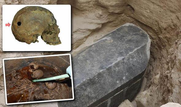 El Sarcófago negro de Egipto