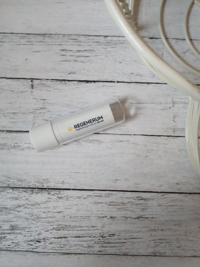 Regeneracyjne serum do ust od Regenerum, recenzja.