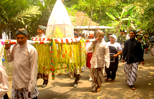 Parade of Gunungan