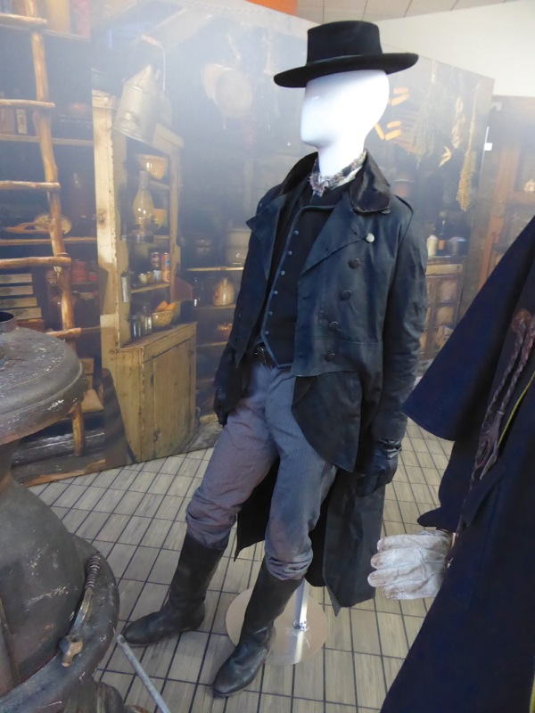 Walton Coggins Hateful Eight Chris Mannix costume