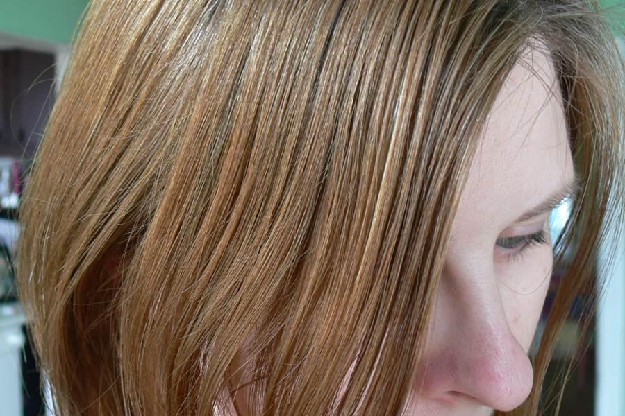 farba Avon Advance Techniques Średni Popielaty Blond 8.1 przed farbowaniem
