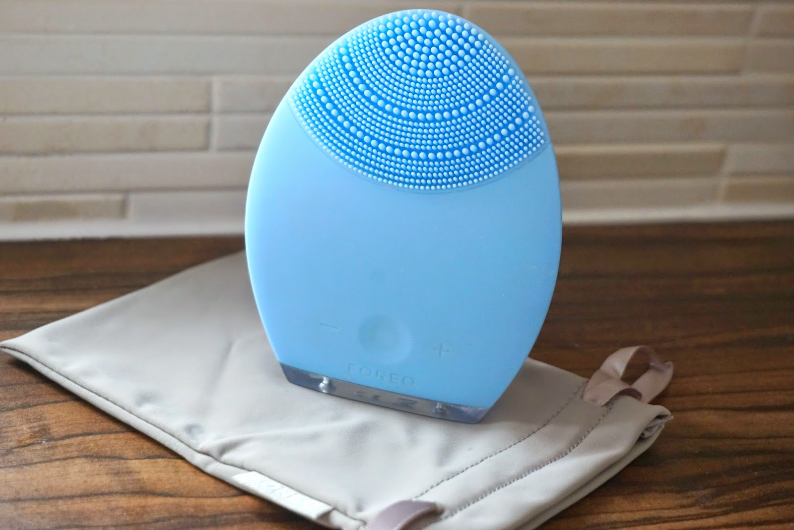 Foreo Luna for Combination Skin Blue Cleansing Tool