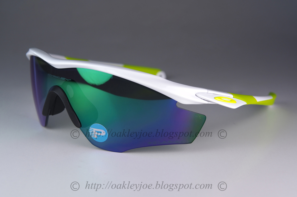 3396a1344d matte onyx + black iridium lens pre coated with Oakley hydrophobic nano  solution complete Oakley package include box and microfiber pouch