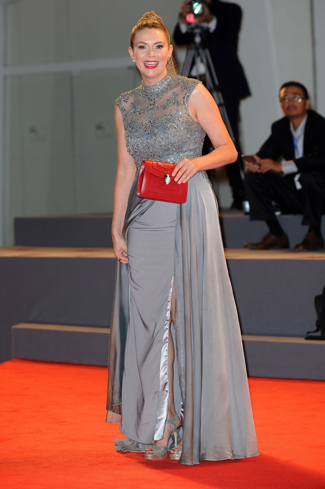 Full HQ Photos of Carly Steel grey Dress At Arrival Premiere At 2016 Venice Film Festival