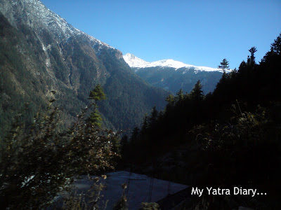 Snow clad mountainous peaks in the Garhwal Himalayas in Uttarakhand