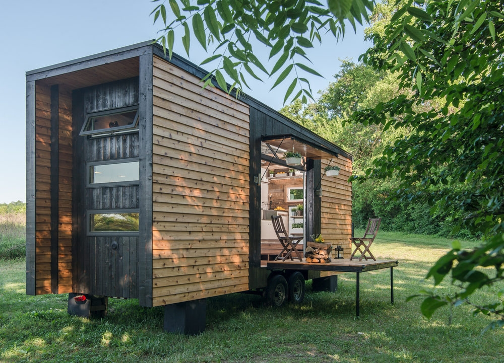 15-New-Frontier-Tiny-Homes-Architecture-with-Tiny-Houses-on-Wheels-www-designstack-co
