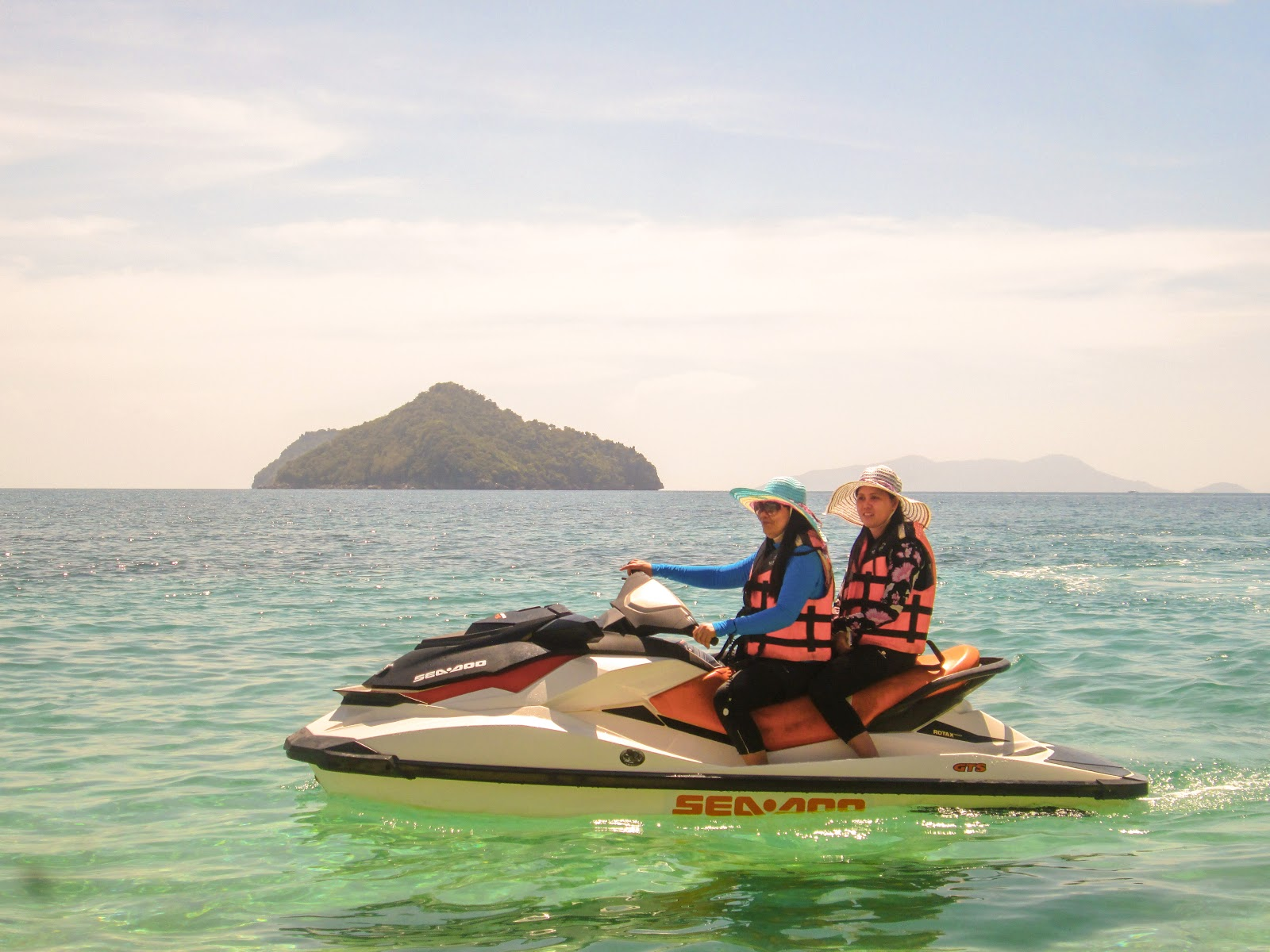 Jet ski at Antonia Beach Resort in Gigantes Island