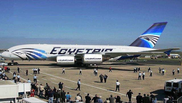 لن تصدق من  يكون الشخص الذي خطف الطائرة المصرية  وما هي مطالبه !!