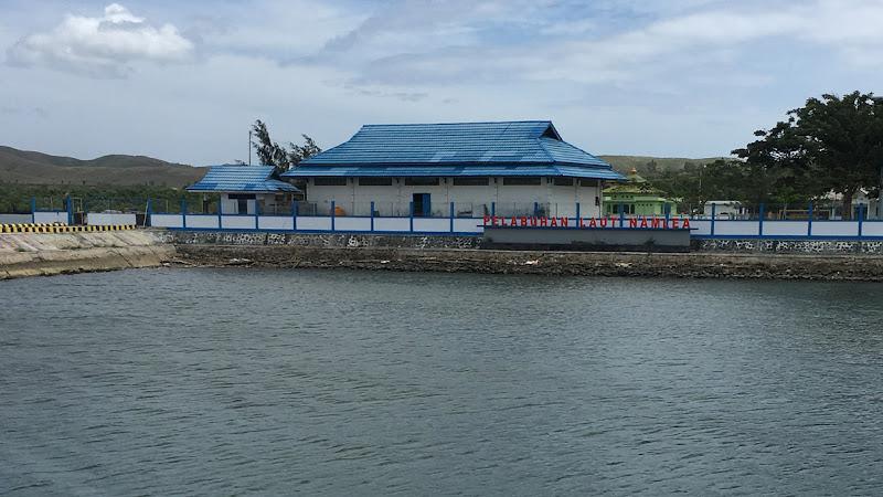 Instalasi Stasiun Pemantau di Pelabuhan Namlea Maluku