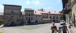 Plaza Mayor de Santillana del Mar.