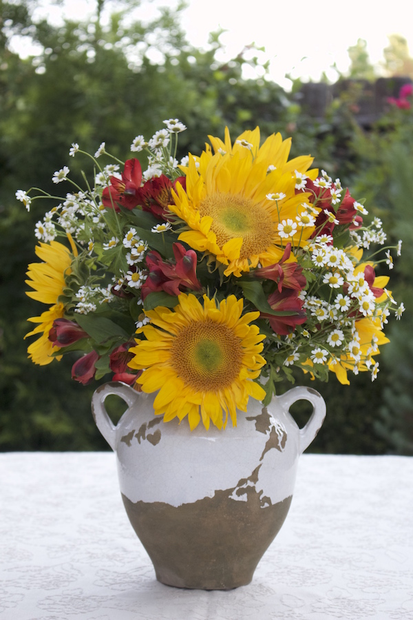 Farmhouse Floral with Sunflowers - www.gildedbloom.com