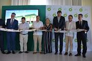 Abren en Acapulco las primeras gasolinerías de la empresa inglesa British Petroleum