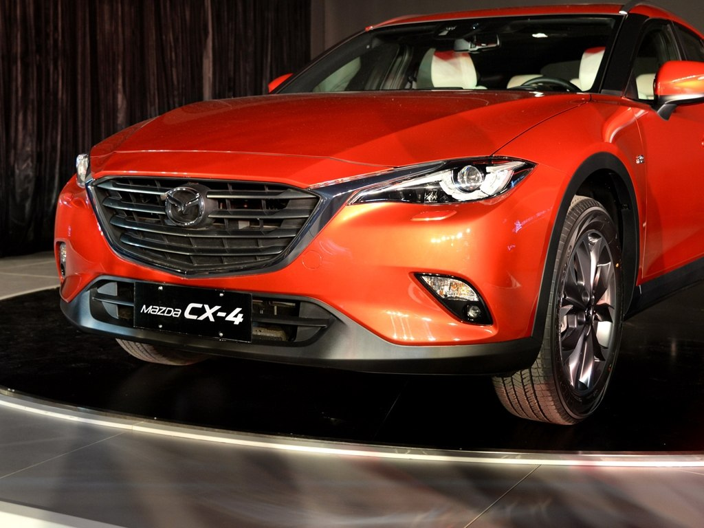 new mazda cx 4 puts a sexy outfit on cx 5 for china. Black Bedroom Furniture Sets. Home Design Ideas