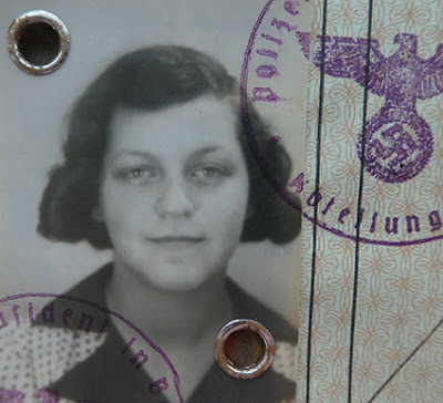 Passport Portraits of Yesteryear no. 34 – Escaping from Hitler