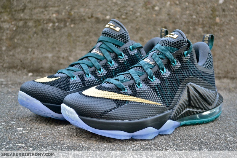 sports shoes fb7e7 4cc0b Nike LeBron 12 Low