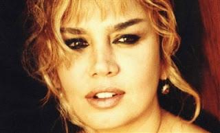 Söz & müziği Nazan Öncel'e ait olan Gitme Kal Bu Şehirde şarkısını birde Sezen Aksu'nun müthiş yorumuyla dinleyin.Aynı zamanda şarkının sözlerini de okuyabilirsiniz.