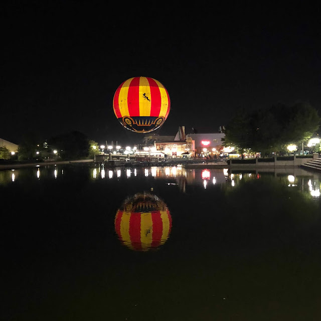 Disney village panoramagique balloon