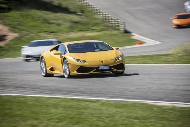 2016 Lamborghini Huracan Yellow HD Background